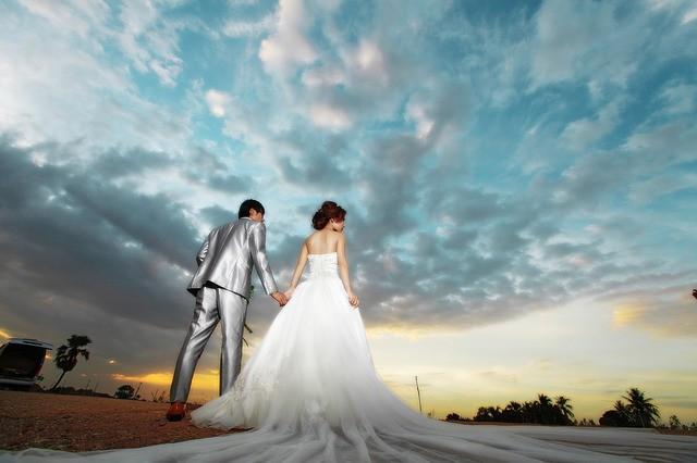 ทำวิดีโอแต่งงานด้วย Wedding Album Maker